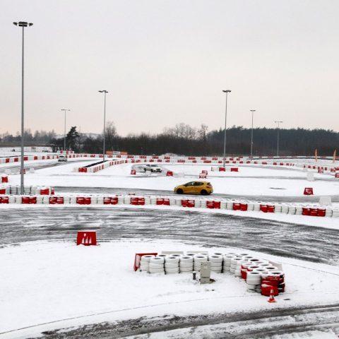 Tor Modlin zimą